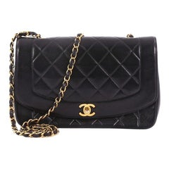 Chanel Vintage Diana Überschlagtasche aus Gestepptem Lammfell Medium