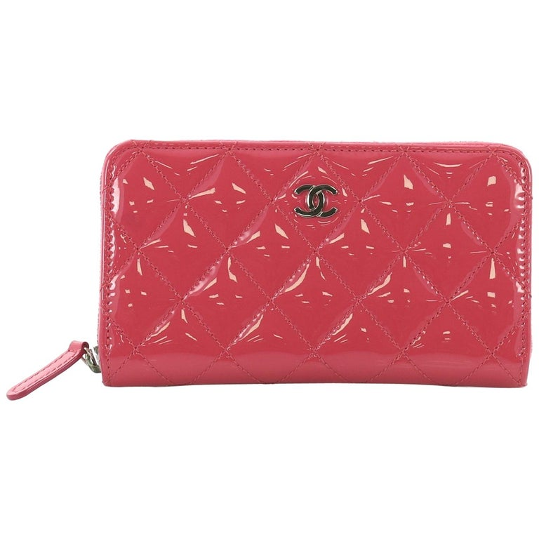 7589d38be63c25 Chanel Zip Around Wallet Quilted Patent Small For Sale at 1stdibs