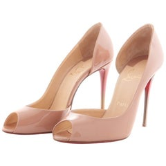Chrisitan Louboutin pump