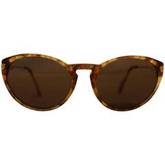 Cartier Tortoise Shell Motif Sunglasses  Gold Tone Details 135 Temples