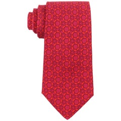 HERMES Wine Red Hexagon Horseshoe Print Silk 5 Fold Necktie Tie 7935 MA