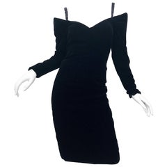 Vintage Victor Costa 90s Size 8 Black Velvet Off The Shoulder 1990s Dress