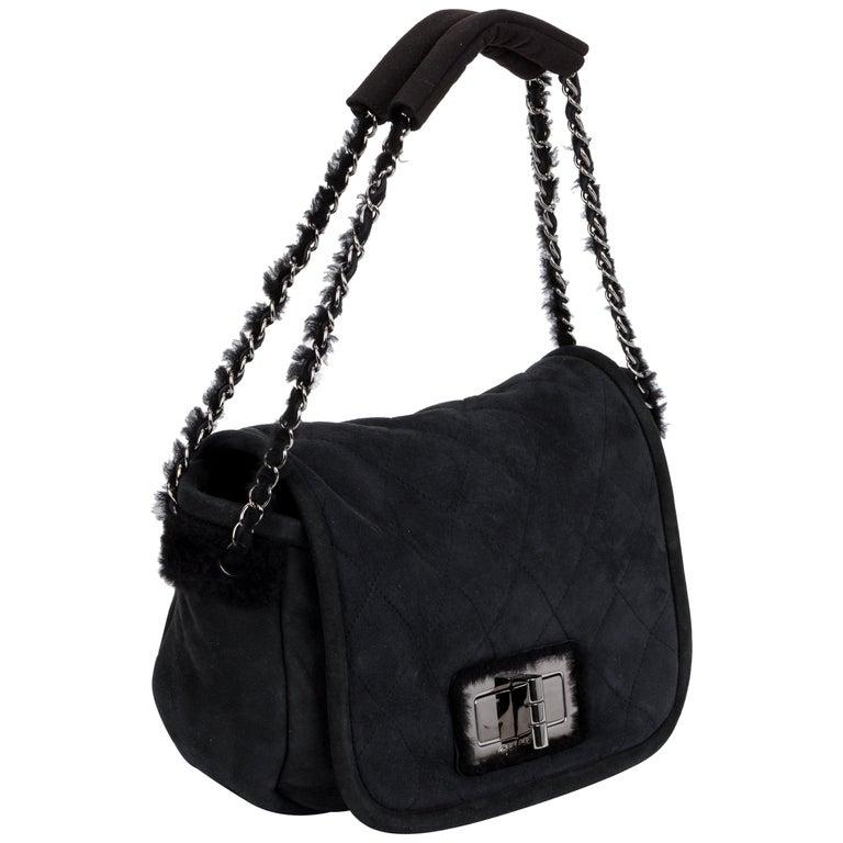 cf6530616e0b Chanel Black Shearling Suede Shoulder Bag For Sale at 1stdibs