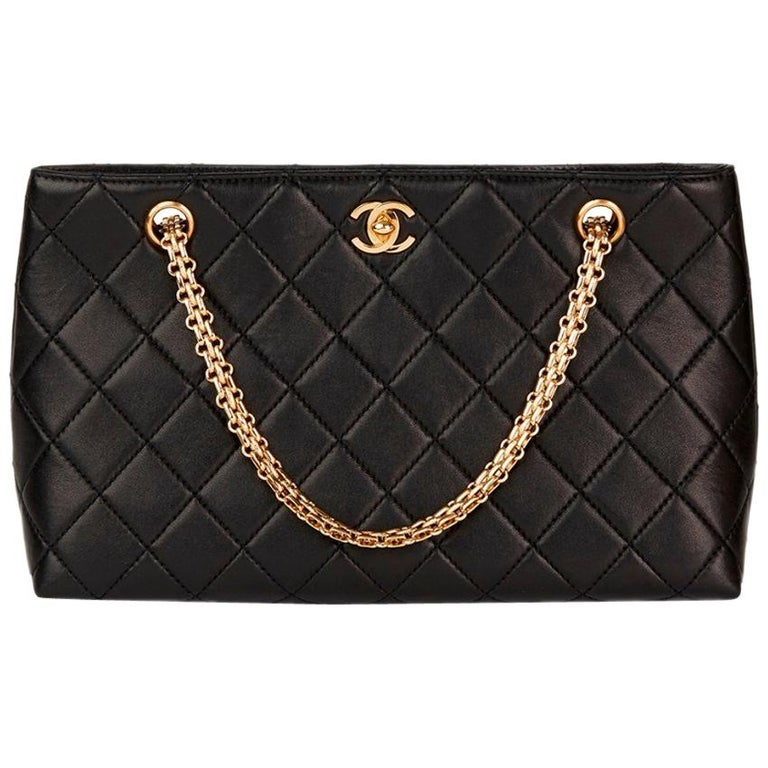 13aadf9e5b6e Chanel Black Quilted-Leather Classic Shoulder Bag For Sale at 1stdibs