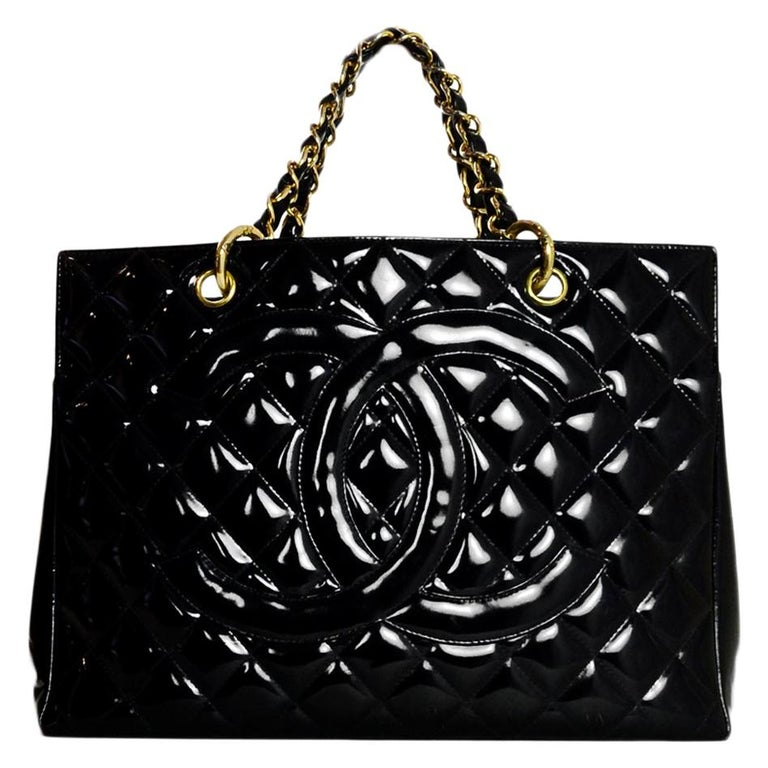 b3f811a3be Chanel Vintage '90s Black Patent Leather Quilted CC Tote Handbag For Sale