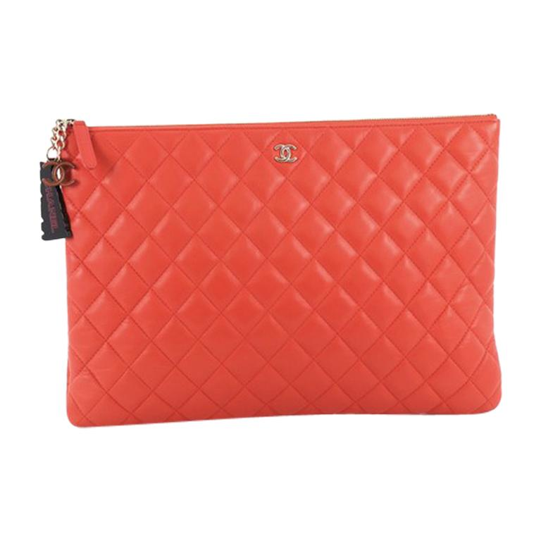 369b1a73e66c Chanel O Case Clutch Quilted Lambskin Large For Sale at 1stdibs