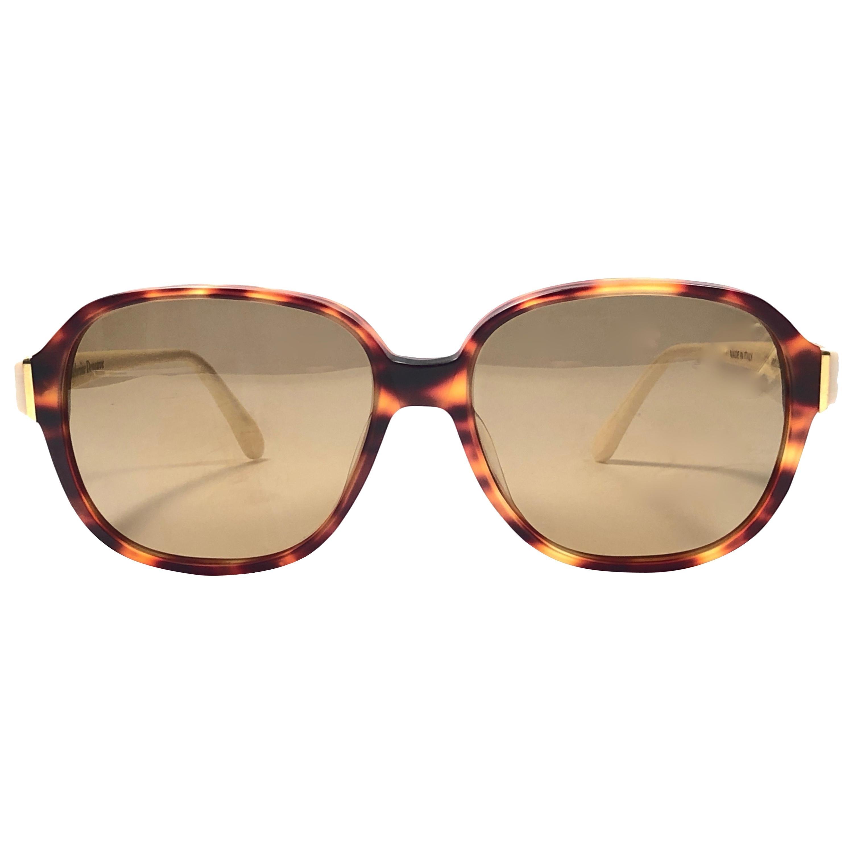 983aa91d946f7f Vintage-Sonnenbrillen zum Verkauf in Benelux - 1stdibs