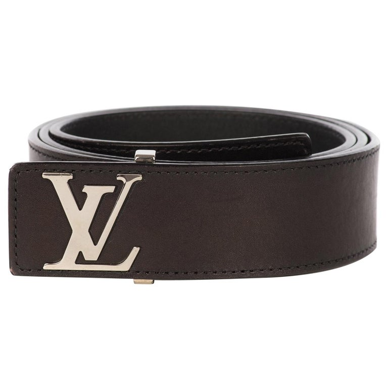 1a8418f32644f Louis Vuitton belt for men in black leather in excellent condition ! For  Sale