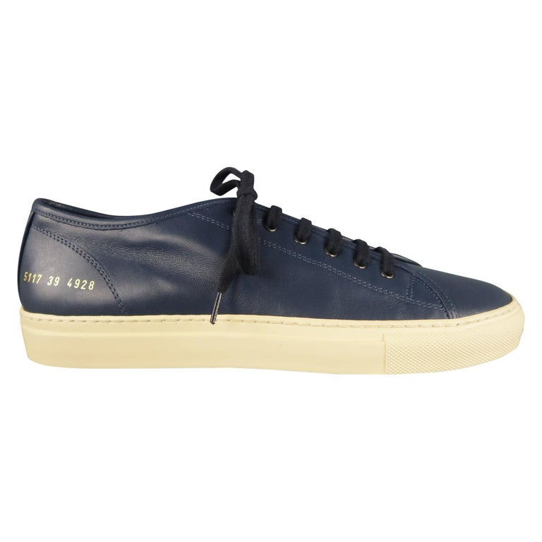Men's COMMON PROJECTS Achilles Size 6 Navy Leather Sneakers For Sale