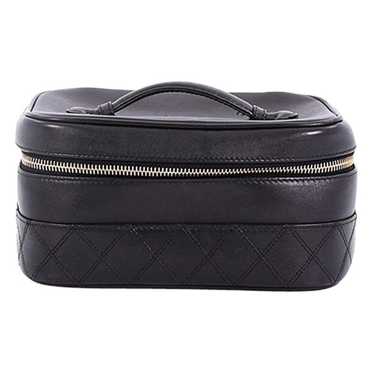 675c4e1dce0b Chanel Vintage Cosmetic Case Lambskin For Sale at 1stdibs