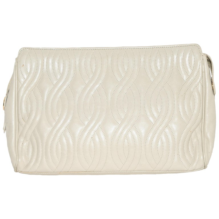 fd2adb3a7f Fendi Quilted Beige Pasta Collection Bag For Sale at 1stdibs
