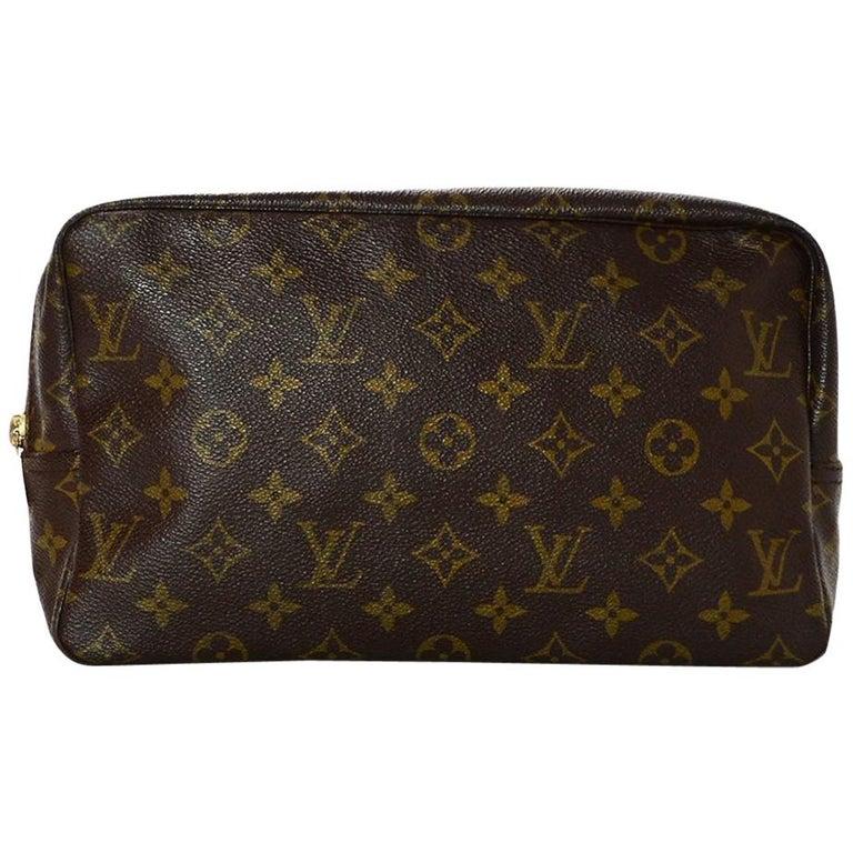 12cf4036999c Louis Vuitton 1980 s Vintage LV Monogram Trousse Toilette 28 Cosmetic Travel  Bag For Sale