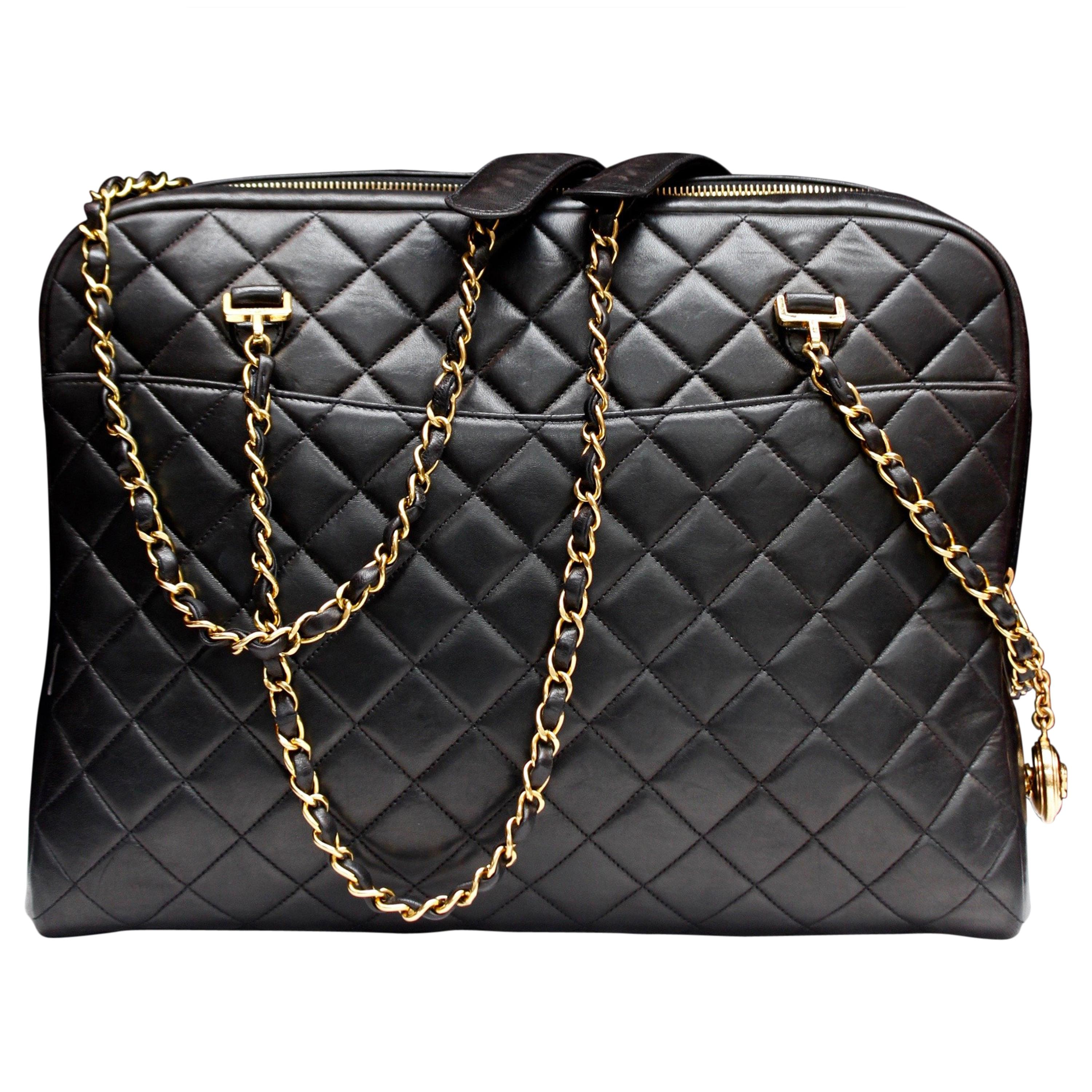 f742699dce50 Chanel gorgeous camera bag in black quilted lambskin For Sale at 1stdibs