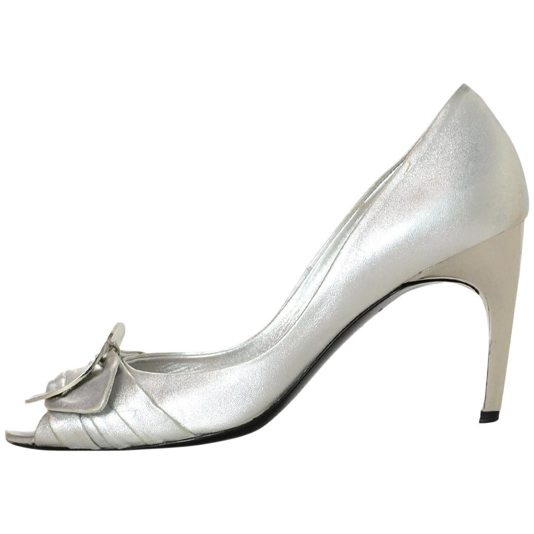 d32370118814e Vintage Roger Vivier Shoes - 23 For Sale at 1stdibs