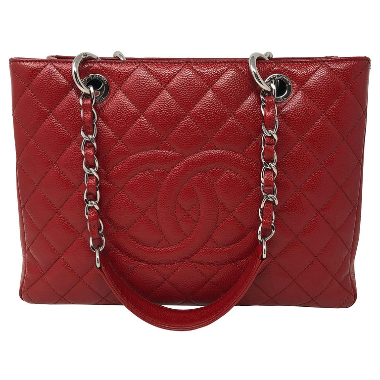 8d69d5fb4bf4 Chanel Red Grand Shopper Tote Bag For Sale at 1stdibs