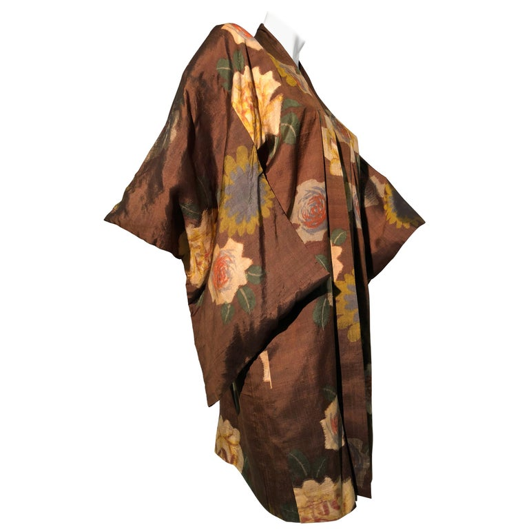 1950s Tobacco Brown Silk Kimono W/ Autumnal Floral Pattern & Contrasting Lining 1