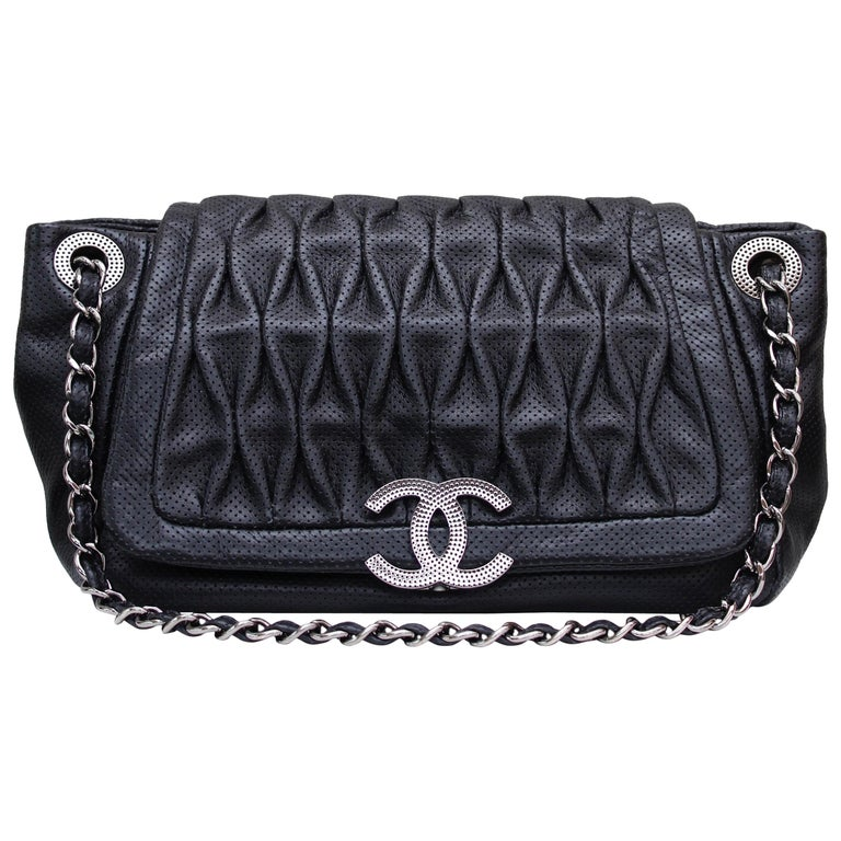 Chanel superb black leather bag, 2008/2009 Fall/Winter Collection For Sale