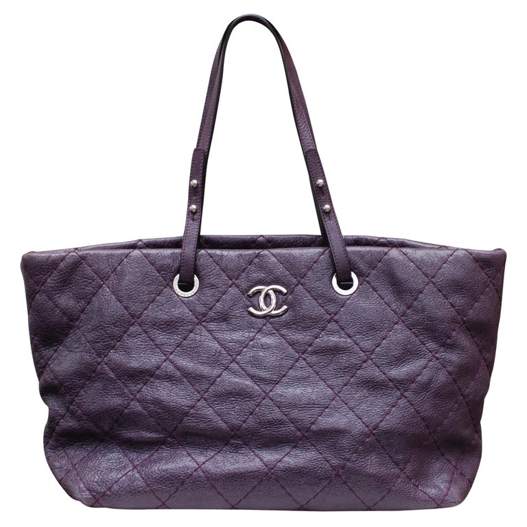 Chanel tote bag in over stitched eggplant leather For Sale