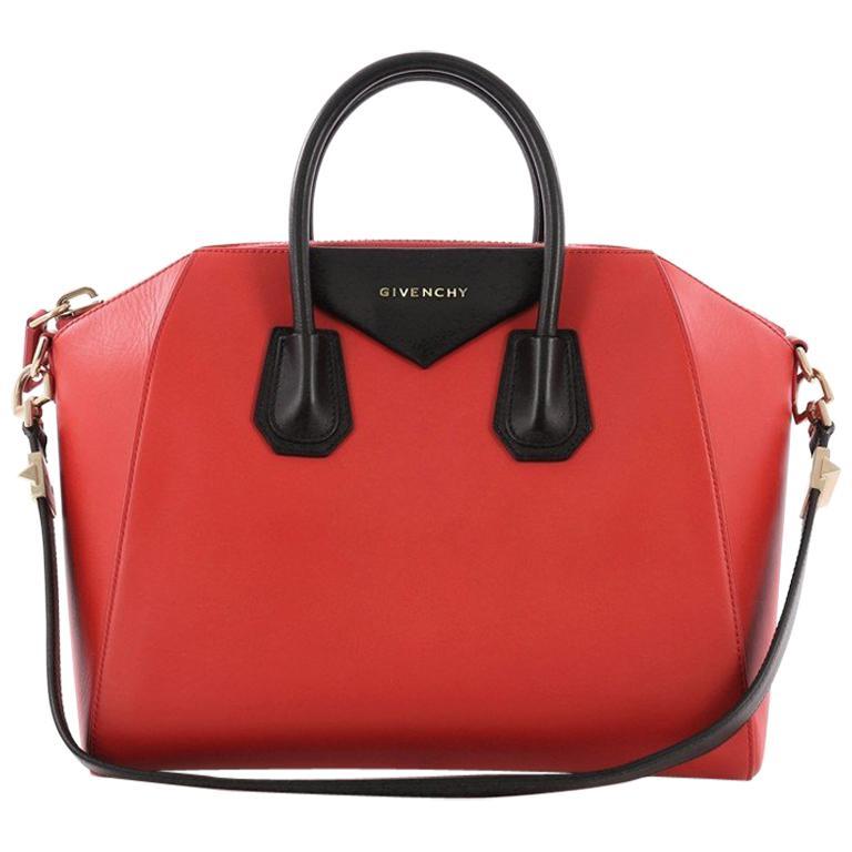 37a0223702 Givenchy Antigona Bag Leather Medium For Sale at 1stdibs