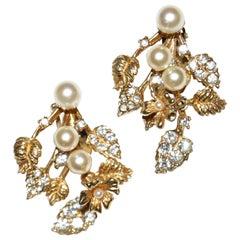 1960s Hattie Carnegie Floral Gold Tone Rhinestone Entremble Earrings