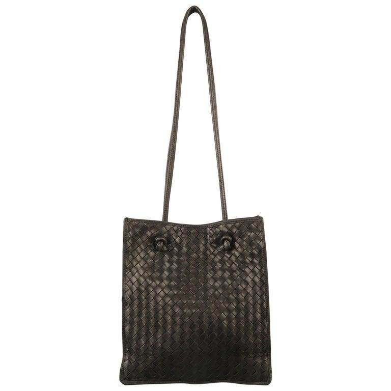 4a16e61da8e1 Vintage BOTTEGA VENETA Brown Intrecciato Woven Leather Shoulder Bag For  Sale at 1stdibs