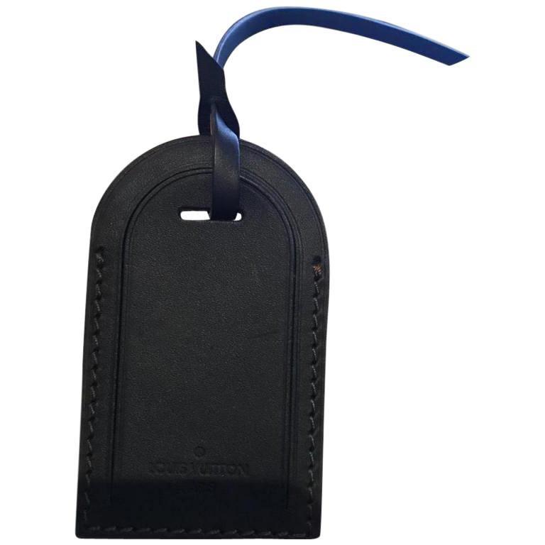 b27cc530812c Louis Vuitton Black Utah Tag at 1stdibs