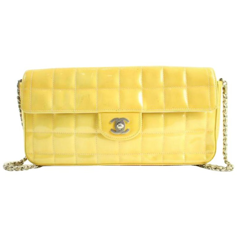 f7c5350df5b2 Chanel East West Quilted Chocolate Bar Flap 24cca12317 Yellow Shoulder Bag  For Sale