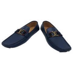 Louis Vuitton loafers in navy leather, size: 8 (42), new !