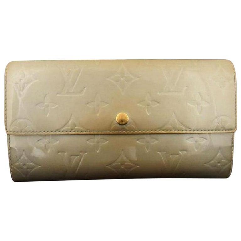 39a5974967b1 Louis Vuitton Ivory Monogram Vernis Blanc Corail Sarah Bifold Long 217416  Wallet For Sale