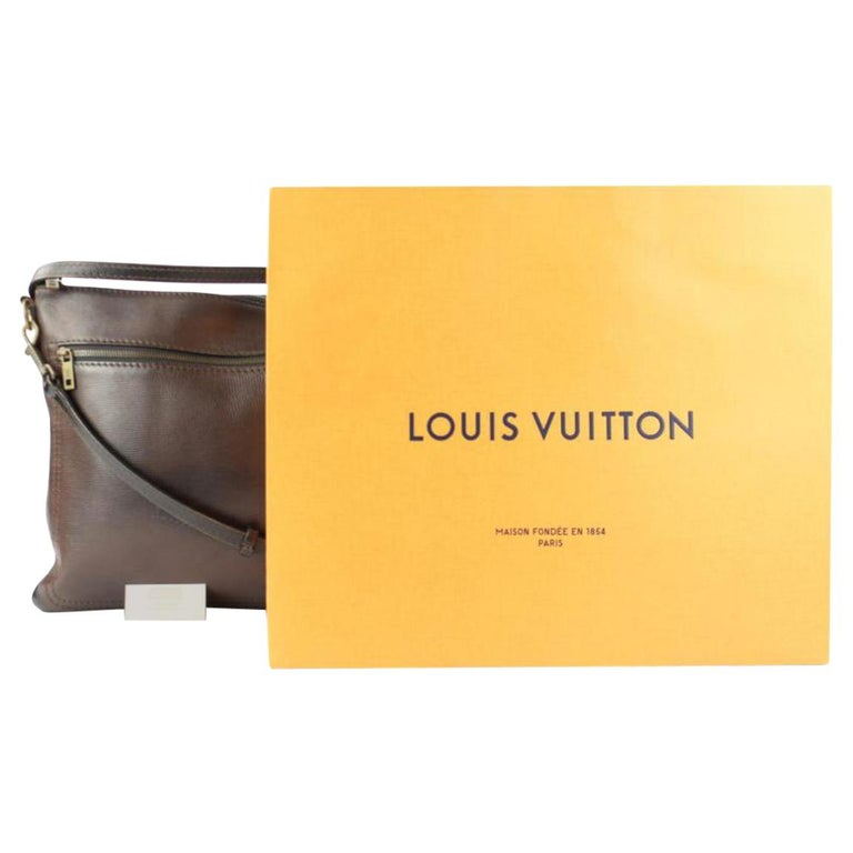 85ca3ffe9eb4 Louis Vuitton Sac Plat Utah Crossbody 216161 Brown Leather Messenger Bag  For Sale