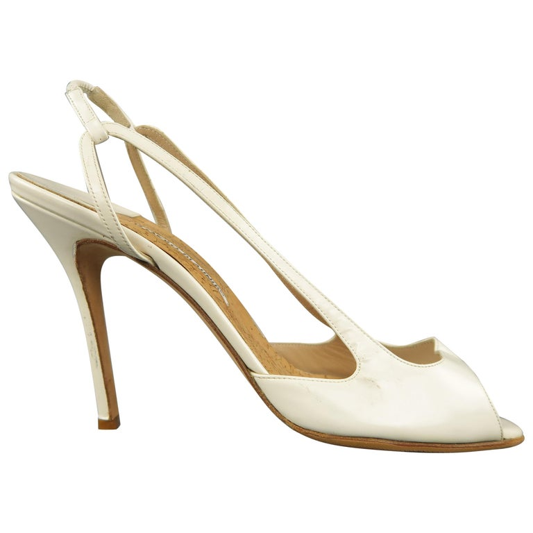 MANOLO BLAHNIK Size 12 White Patent Leather Peep Toe Slingback Pumps For Sale