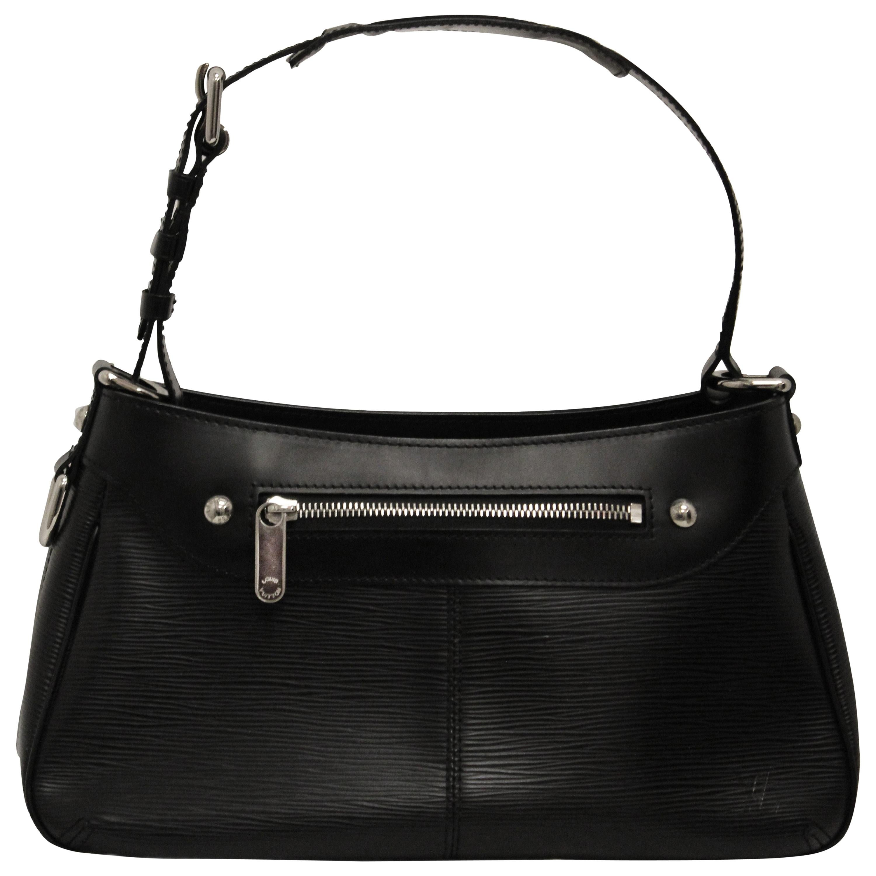 a24cba6eb5be Classic Collections - Fashion Crossbody Bags and Messenger Bags - 1stdibs