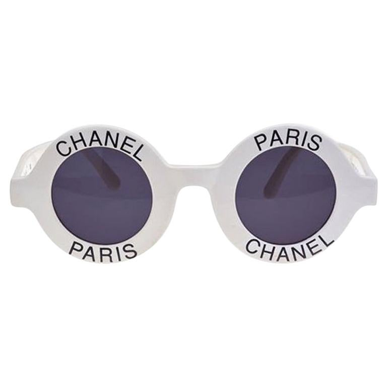 9677ce43f3 Vintage Chanel Paris Logo Frame White Sunglasses at 1stdibs