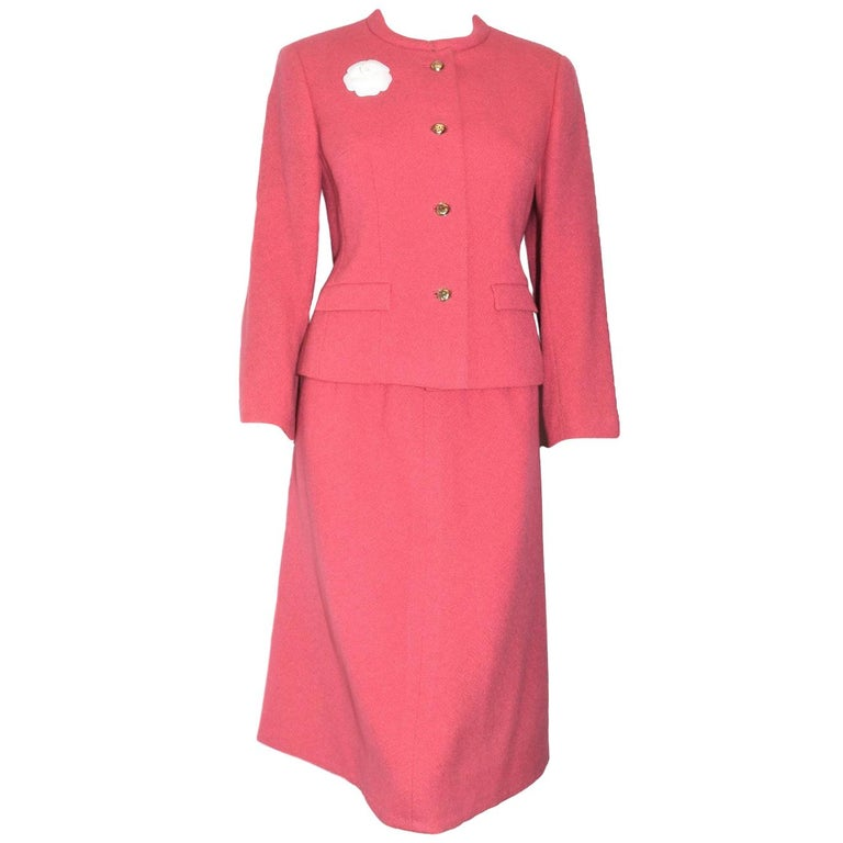 5bb916db746f4 Classic Chanel Spring Suit in Azalea Pink For Sale at 1stdibs