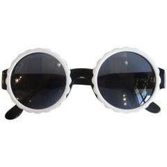 Runway 1994 Chanel White & Black Scalloped Circle Sunglasses