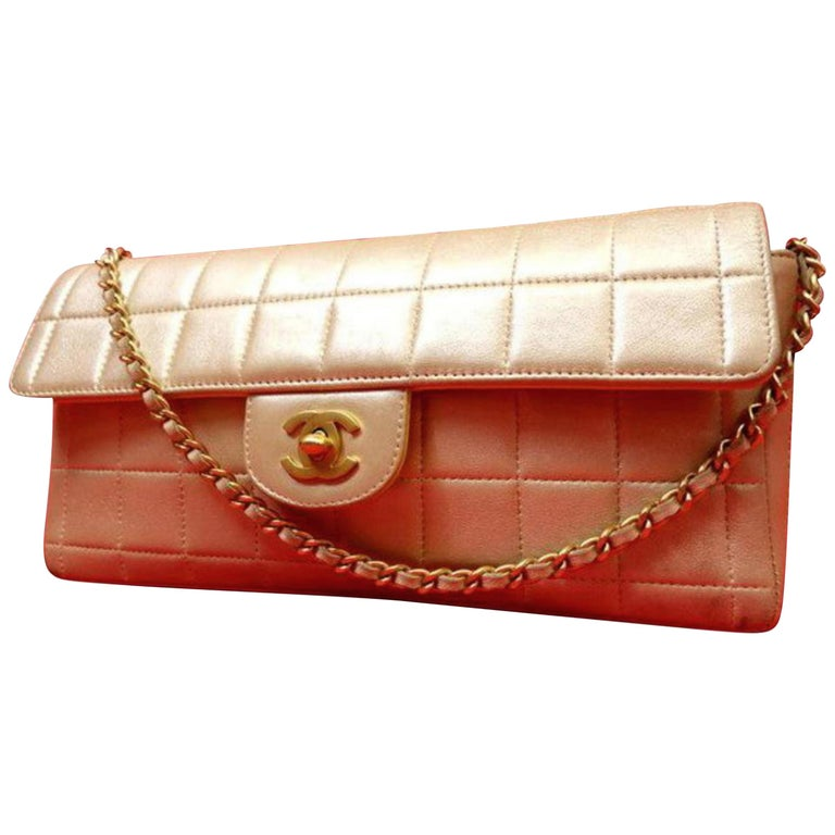 3550d340837a Chanel East West Chocolate Bar Flap 224341 Metallic Pearl Leather Shoulder  Bag For Sale