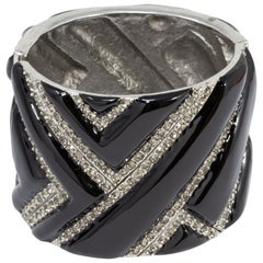 Oscar de la Renta Black Enamel and Crystal Bangle Bracelet in Silver, Geometric