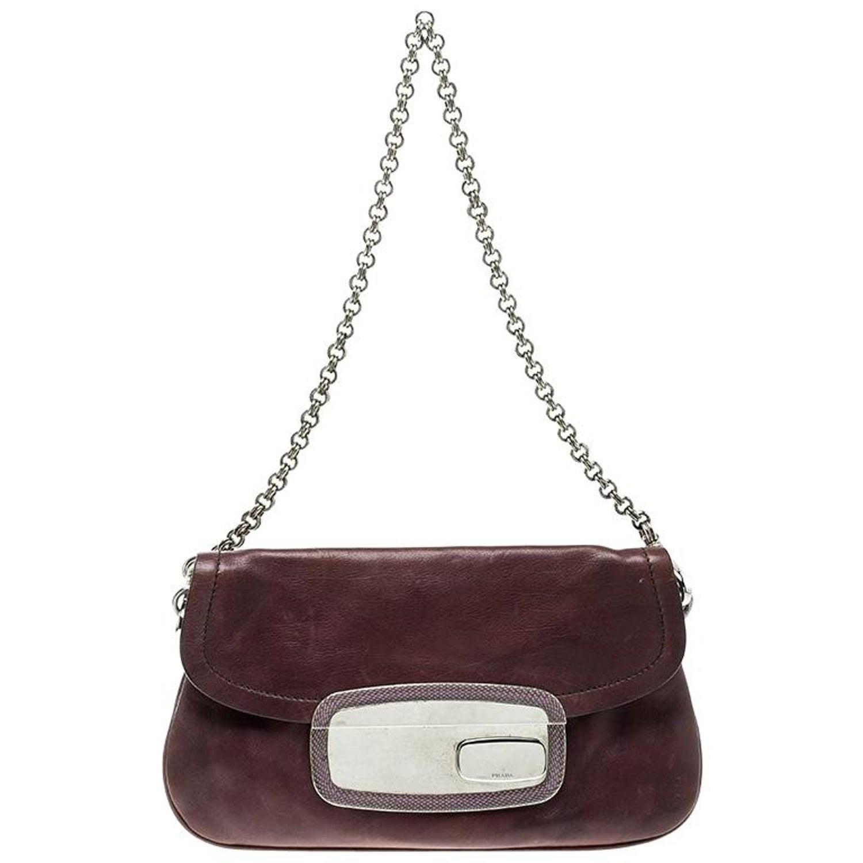 c385c33c2742 Prada Purple Leather Chain Shoulder Bag For Sale at 1stdibs