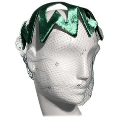 1950s Japanese Emerald Green Satin Zig Zag Graphic Hat W/ Dotted Veil