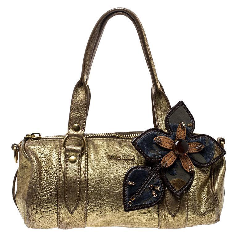 71df5e2882c0 Miu Miu Gold Leather Shoulder Bag For Sale at 1stdibs