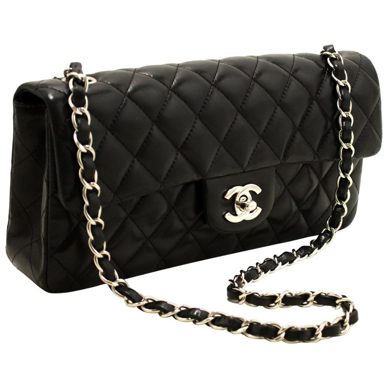 ae04399e8d50 CHANEL Single Chain Flap Shoulder Bag Black Quilted Lambskin at 1stdibs