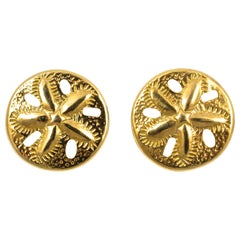 ZZ 14K Gold Sand Dollar Design Stud Earrings
