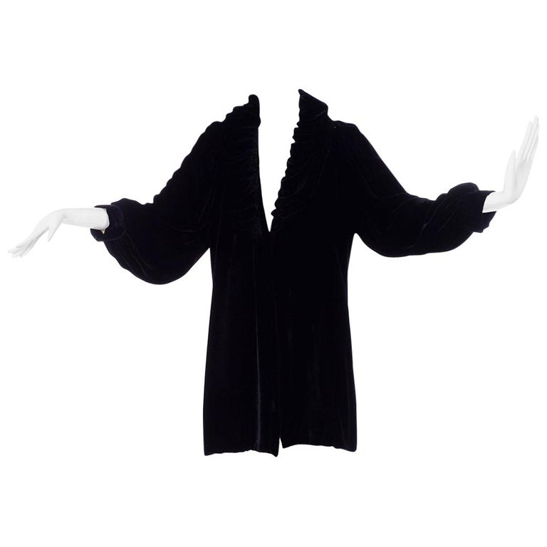 Vintage 1910s Black Velvet Evening Coat W/ Gathered Collar & Puff Sleeves For Sale
