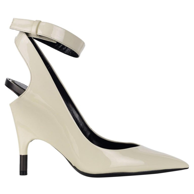 f11d0e024bf1 Tom Ford Womens White Patent Leather Ankle Covered Heel Pumps For Sale