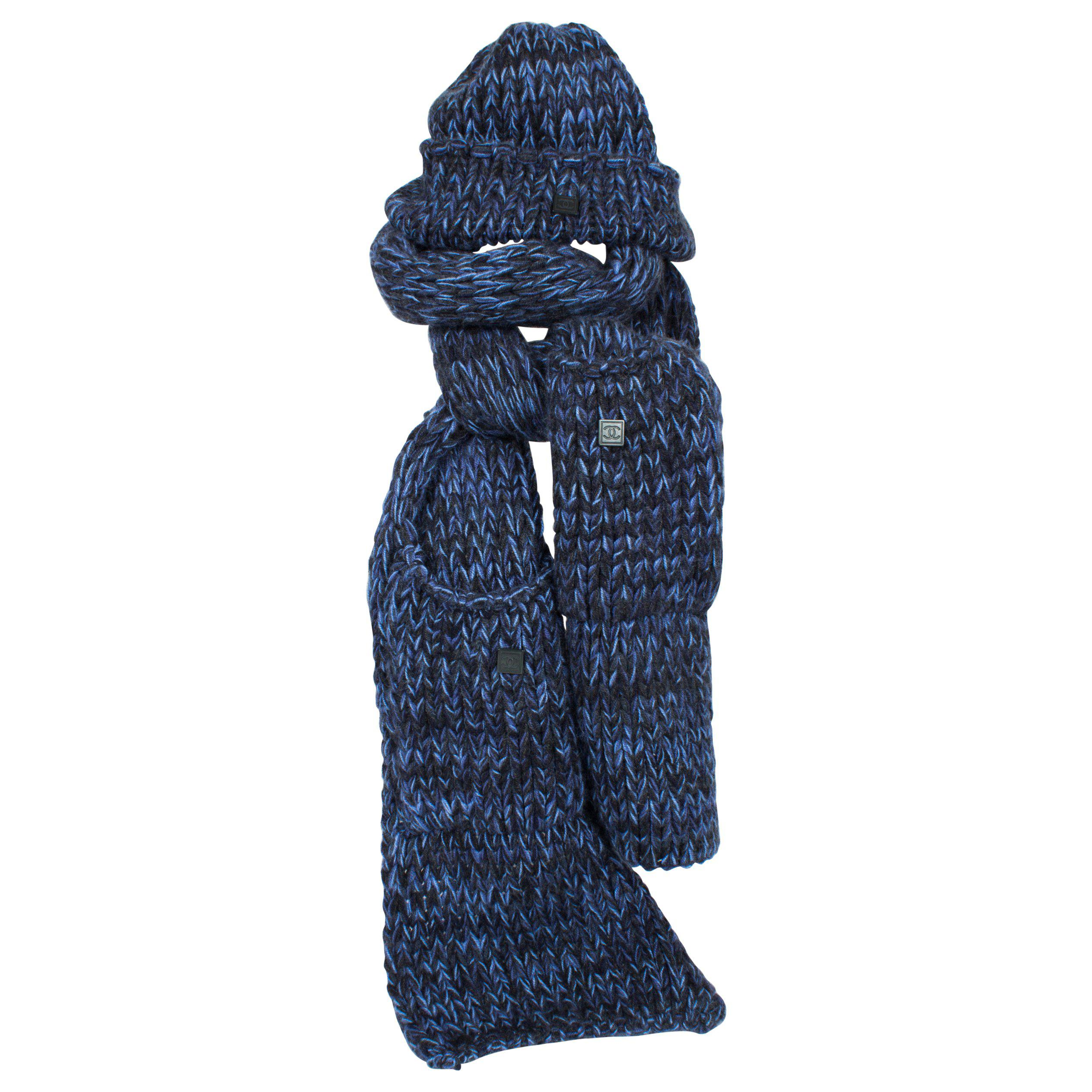 f2d1bb9326d Chanel Knit Hat and Scarf - black blue cashmere For Sale at 1stdibs