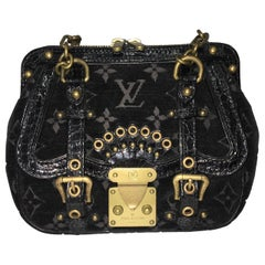 Louis Vuitton little Balck HandBag
