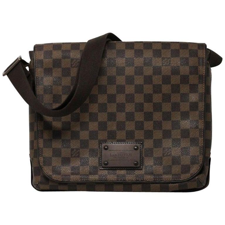 Louis Vuitton Damier Ebene MM Messenger Bag For Sale