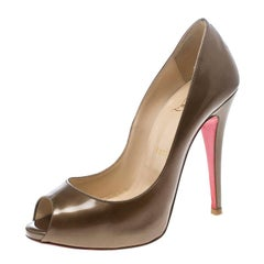 0a7b63b2bbb Christian Louboutin Khaki Patent Leather Flo Peep Toe Pumps Size 37