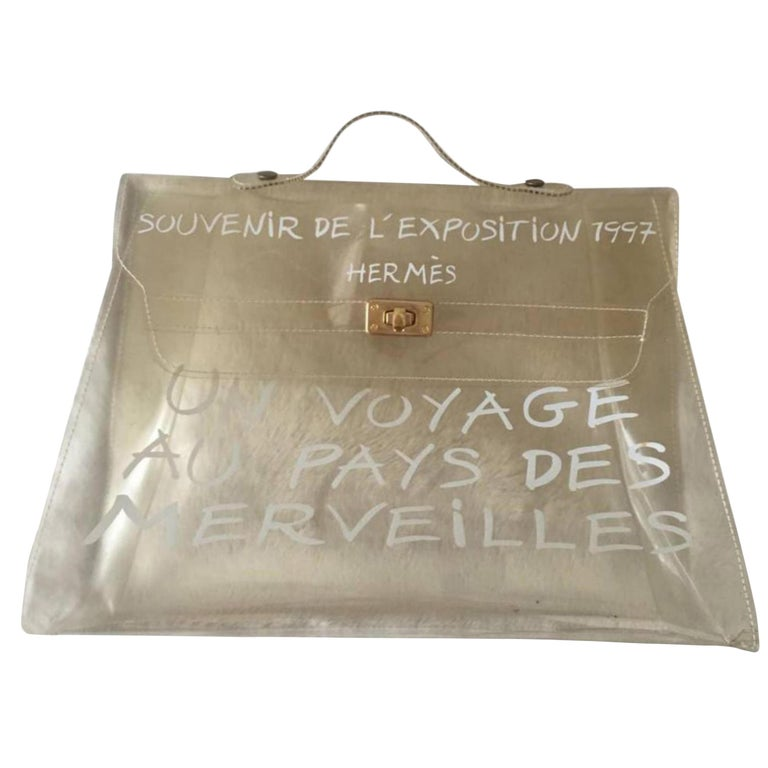 84bc387d73d3 Hermès Kelly Souvenir De L exposition Clear 228697 White Vinyl Satchel For  Sale