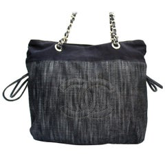 2009 2010 Chanel Blu Denim Shoulder Bag
